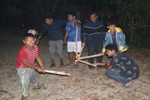 थारु समुदायमा लक्ष्मी पुजाका दिन खेलिने हुके हुक्का खेल लोप हुँदै