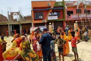 गरिब तथा विपन्नद्वारा राहत माग गर्दै सुखीपुर नगरपालिकामा ढुङ्गामुढा (भिडियो सहित)