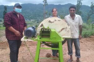 उदयपुरगढीका किसानलाई ८० प्रतिशत अनुदानमा च्यापकटर वितरण